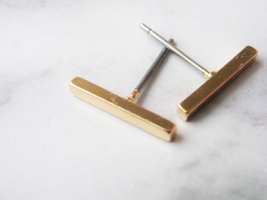 Golden bar earrings